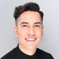 Philip Deuschle Masterstylist, Make-up Artist und Salonleiter bei em Friseure im Breuningerland Ludwigsburg